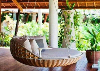 LUXURY-WICKER-SWING
